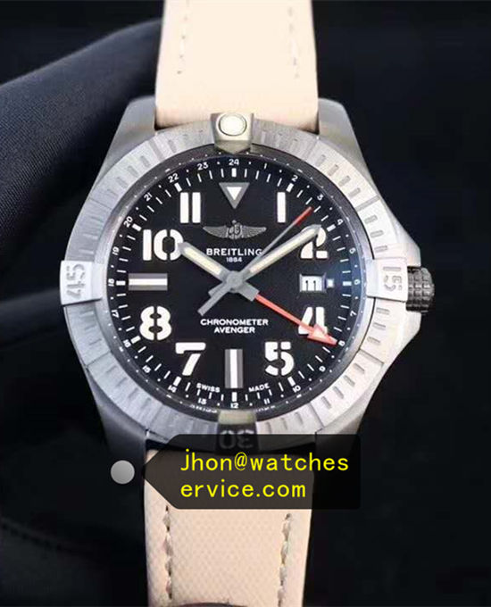 45MM Breitling Avenger Automatic GMT 45 V32395101B1X1