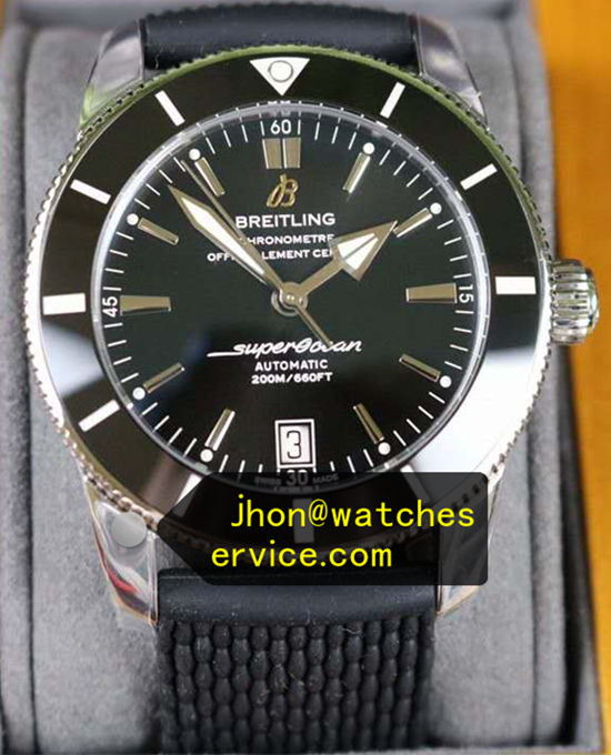46MM Black Dail Breitling Superocean Classic Rubber Strap