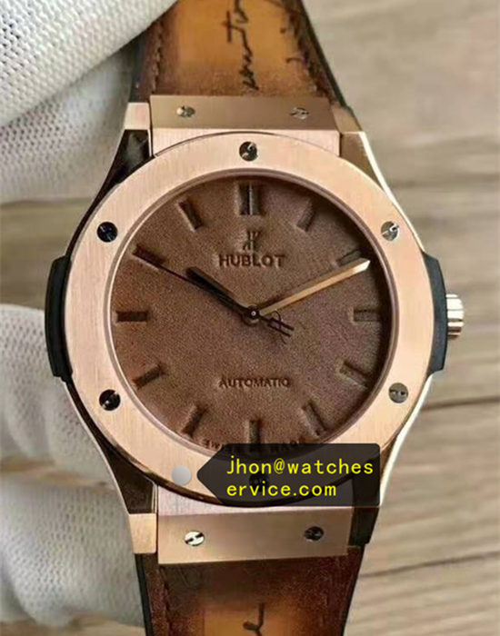Brown leather Hublot Classic Fusion 45MM