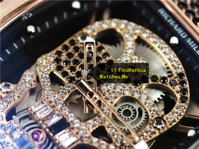 RM 052 rose gold white diamonds and black diamonds face