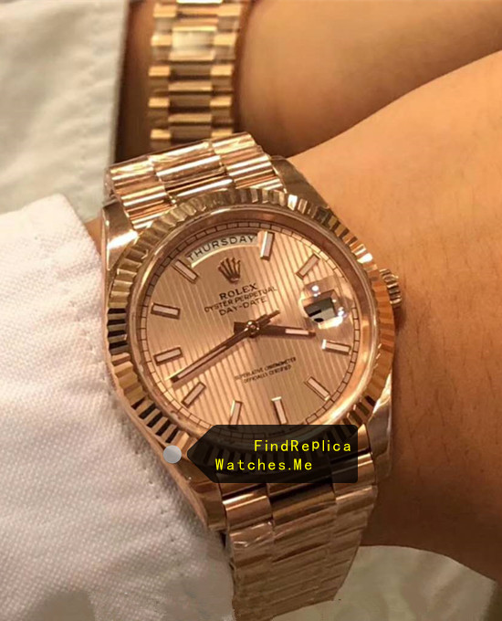 Rolex Daydate 228235 18k-Rose-Gold 40MM