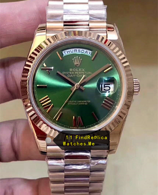 Rolex Daydate 228235 40mm Olive Green Face With 18k-Gold Body