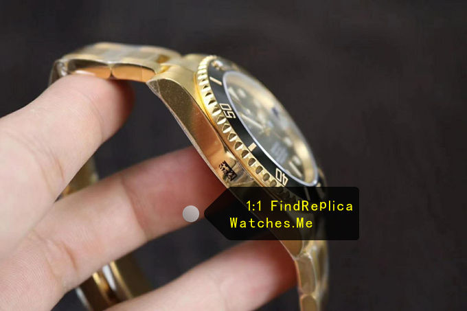 Replica Rolex Submariner 116618LN-97208 18K-Gold Side