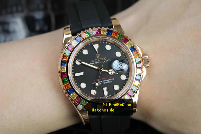 Replica Rolex Yachtmaster 116695SATS Colored Diamond With 18K-Gold on the Wrist