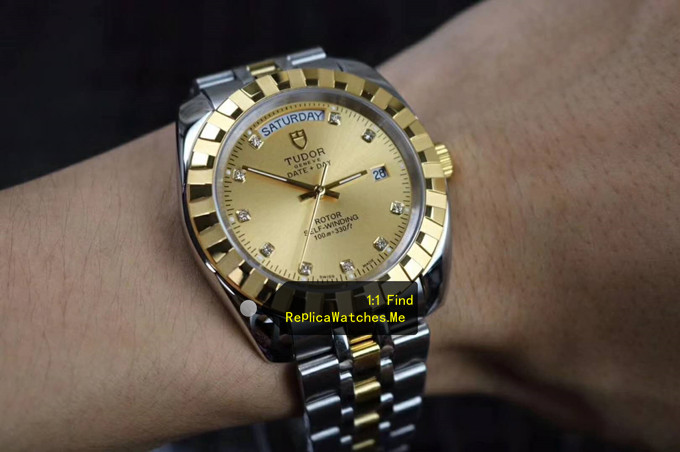 Replica Tudor Classic 41MM M23013-0018 on the Wrist